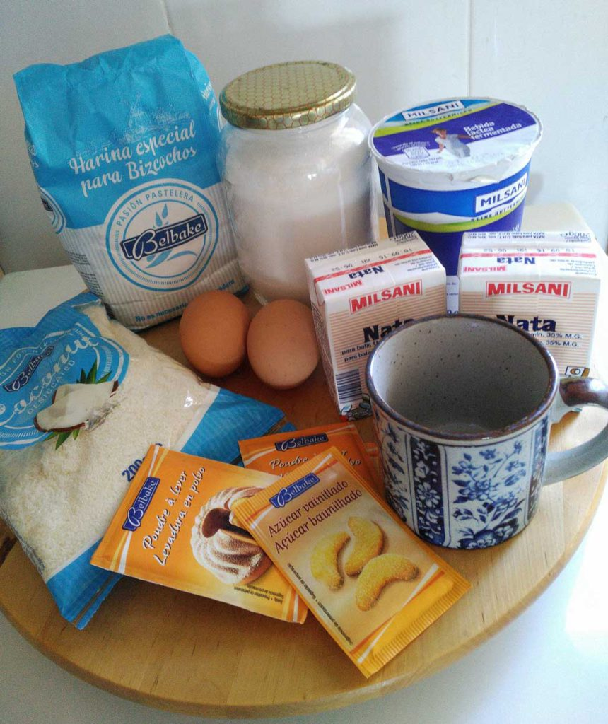 Foto Ingredientes para el pastel de coco y buttermilch