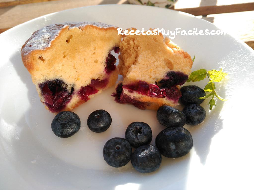 Foto muffins de arándanos casearas