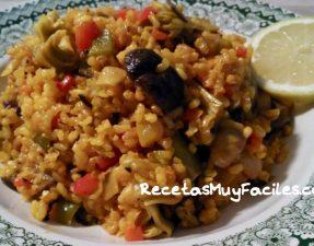 Foto arroz integral con verduras