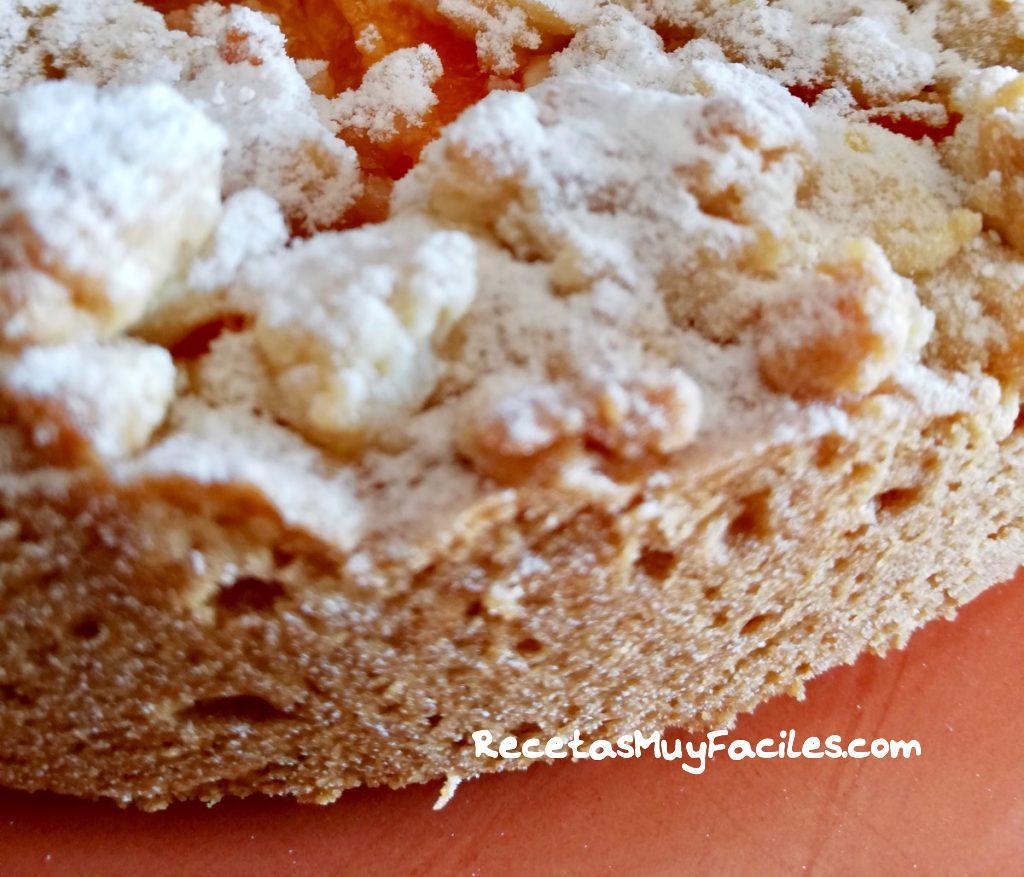 tarta de albaricoques con crumble rica textura
